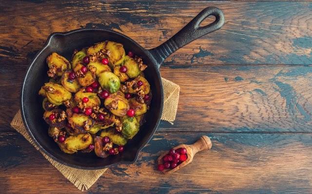 Ψητά λαχανάκια Βρυξελλών με κράνμπερις