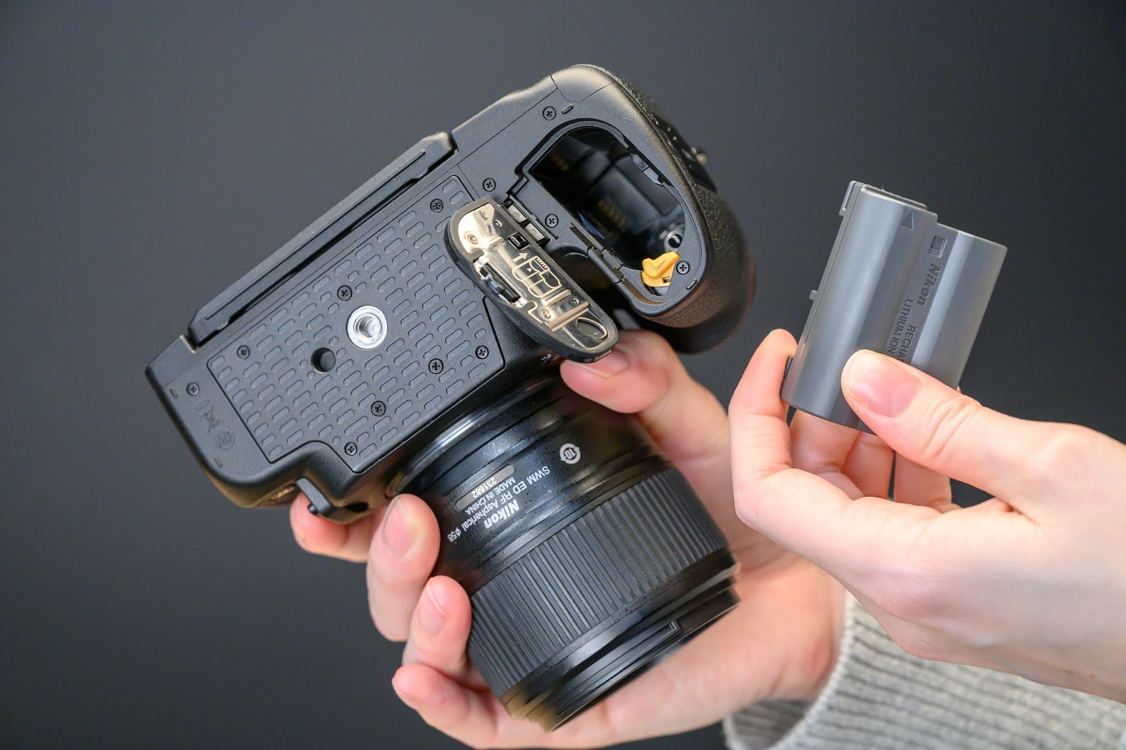 Аккумулятор в Nikon D780