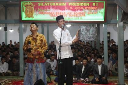 Momen Keakraban Santri dengan Jokowi di Magelang