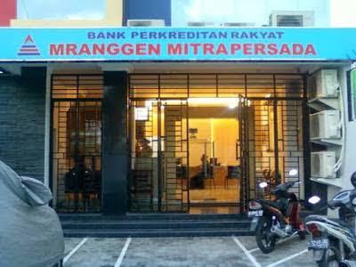 Info lowongan PT. Bank Perkreditan Rakyat Mranggen Mitrapersada membuka lowongan kerja untuk penempatan di Kudjus, Demak & Blora, berikut ini posisi yang Dibutuhkan  Teller (TL)  Customer Service (CS)  Account Officer (AO)