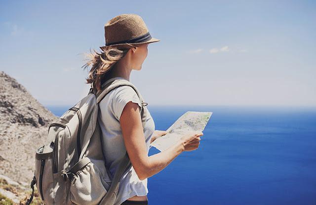Conheça o manual que dá dicas de segurança para mulheres que querem viajar sozinhas pelo mundo