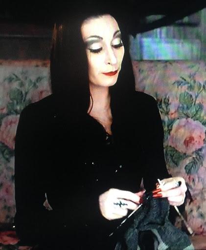 Senhora e seu tricô