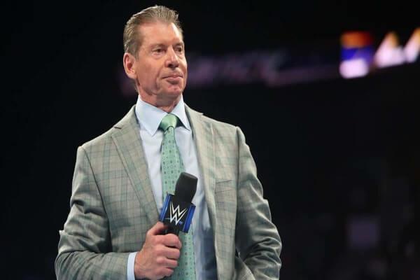 فينس مكمان يقرر دفن نجمين في WWE بوضعهما في أدوار كوميدية