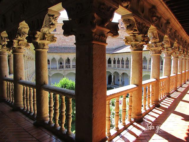 Claustro del Convento de las Dueñas Salamanca