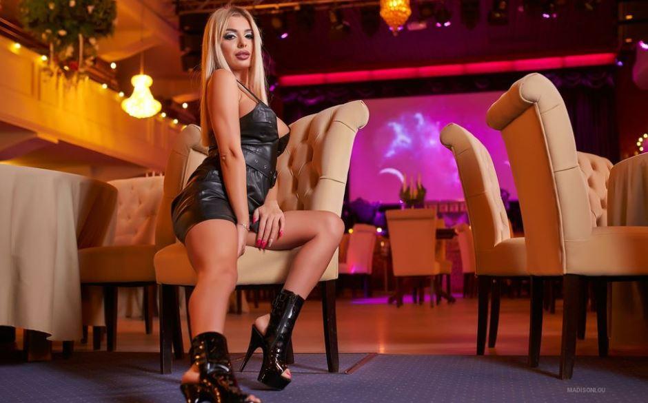 MadisonLou Model GlamourCams