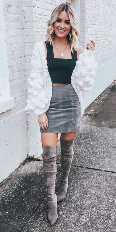 Look your best when you step out this holiday season. Here are 22 pure holiday style inspiration new ways to dress and impress in the upcoming christmas season. Holiday Fashion via higiggle.com | crop top + cardigan + skirt outfits | #fashion #holiday #cardigan #skirt