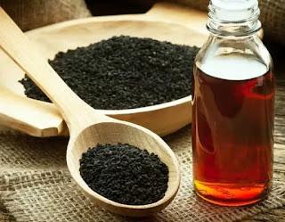 حبة البركة او الحبة السوداء بفوائد واستخدامات الزيت المستخلص منها