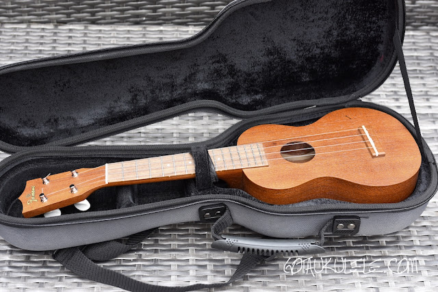 Tiger Hard Ukulele Case interior