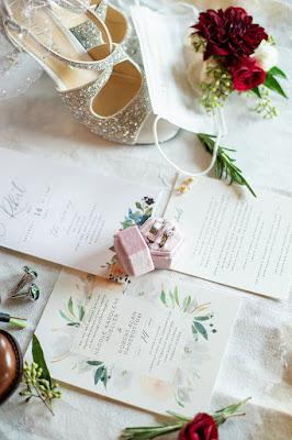 wedding invitations and decor