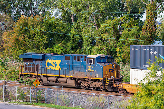 CSXT 917 is the DPU on Q162-27