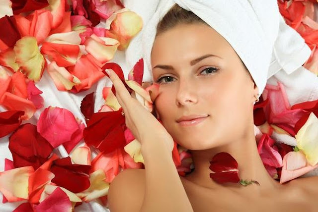 Rose petals face mask
