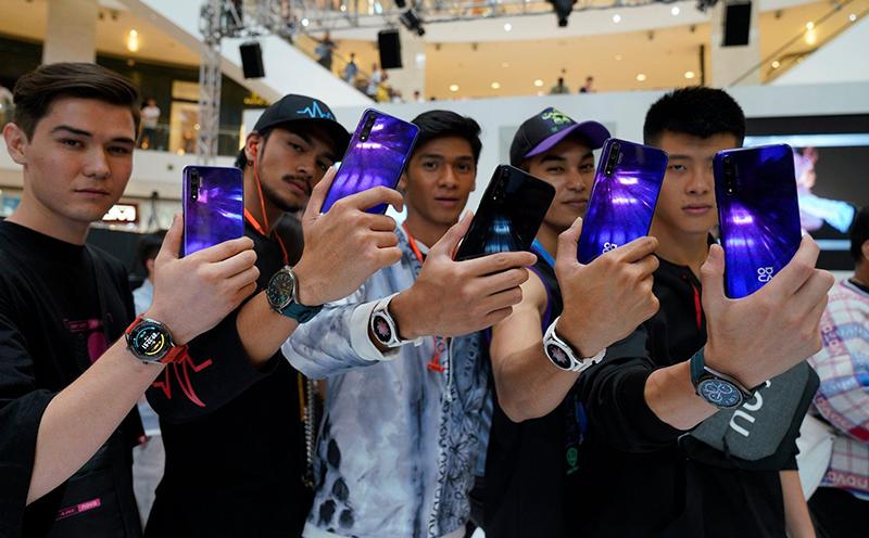 Huawei Nova 5T showcased at KL Fashion Week 2019