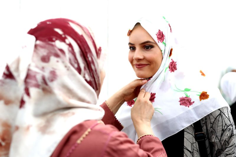 844bd273a zealand women wear headscarves solidarity نيوزيلندا النساء ارتداء الحجاب  تضامن