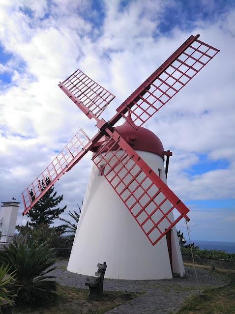 Moinho do Pico Velmelho en Sao Miguel (Açores)