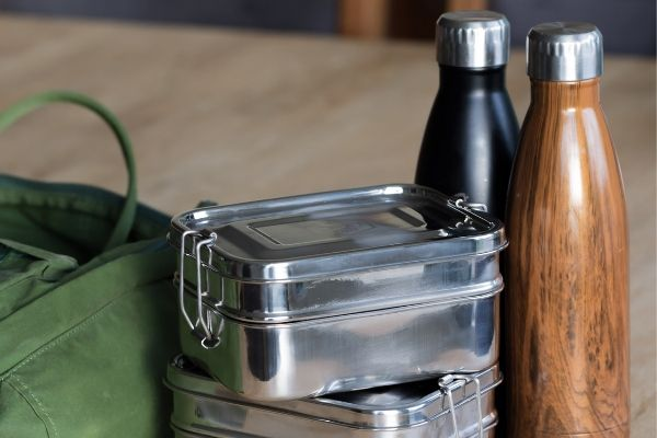 non toxic lunch boxes and stainless steel water bottles