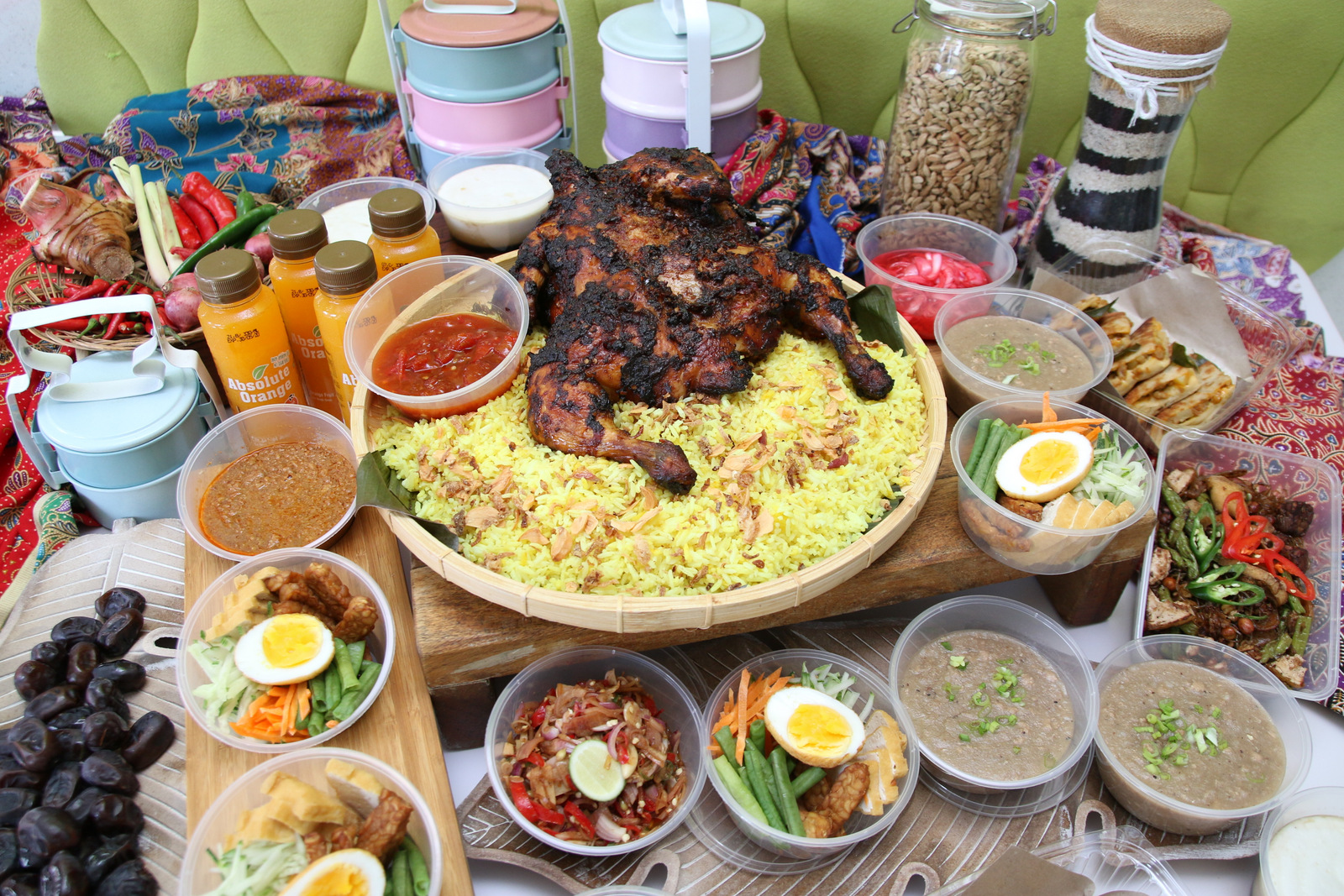 aloft kuala lumpur sentral: makan yuk with nook's takeaway sets of indonesian delights
