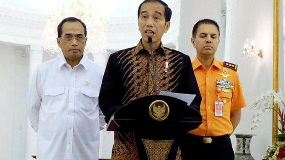 Jokowi Tiba-tiba Persilahkan Warga Untuk Beraktivitas Lagi: 'Kita Harus Hidup Berdamai dengan Corona'