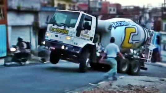 caminhao betoneira morro