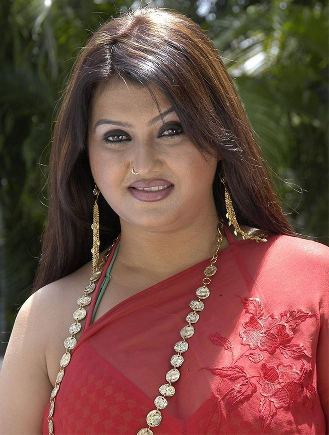 Tamil Hot Aunty Saree
