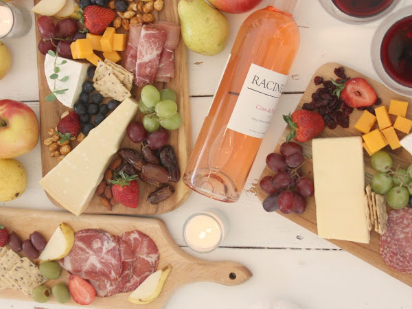 Thanksgiving Cheese Board -Gorgeous Table Settings and a Stress Free Thanksgiving Planner