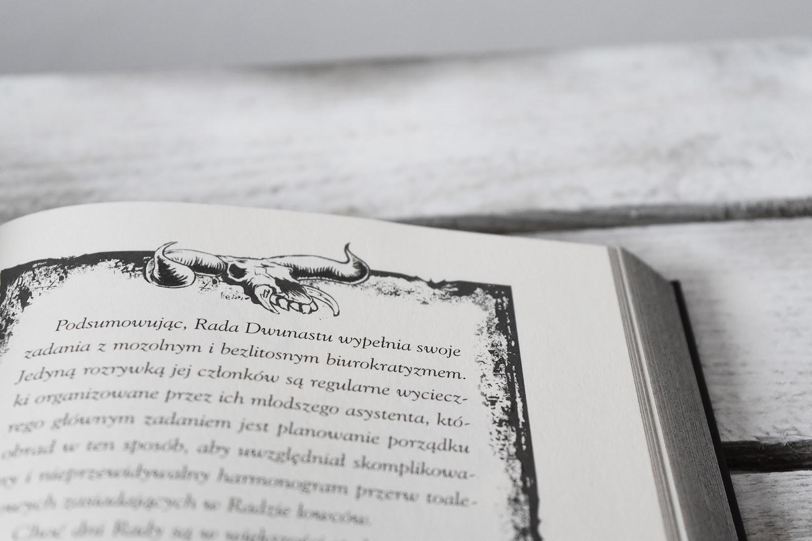 Miasteczko Darkmord, horror dla młodzieży, książka, fantastyka, recenzja, ilustracje