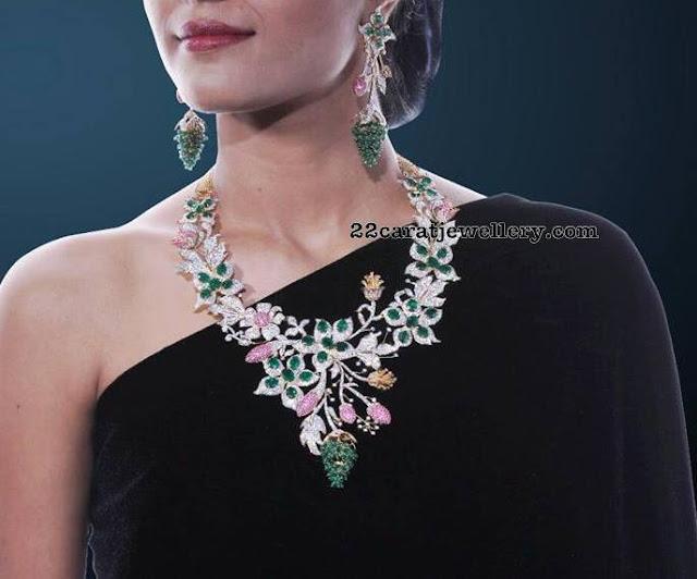 Rose Buds Design Diamond Necklace