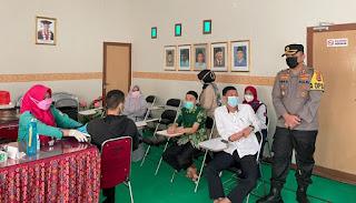 Ada Vaksin Massal di Kampus UMSI,Kapolres Sinjai Terjun Langsung Memantau