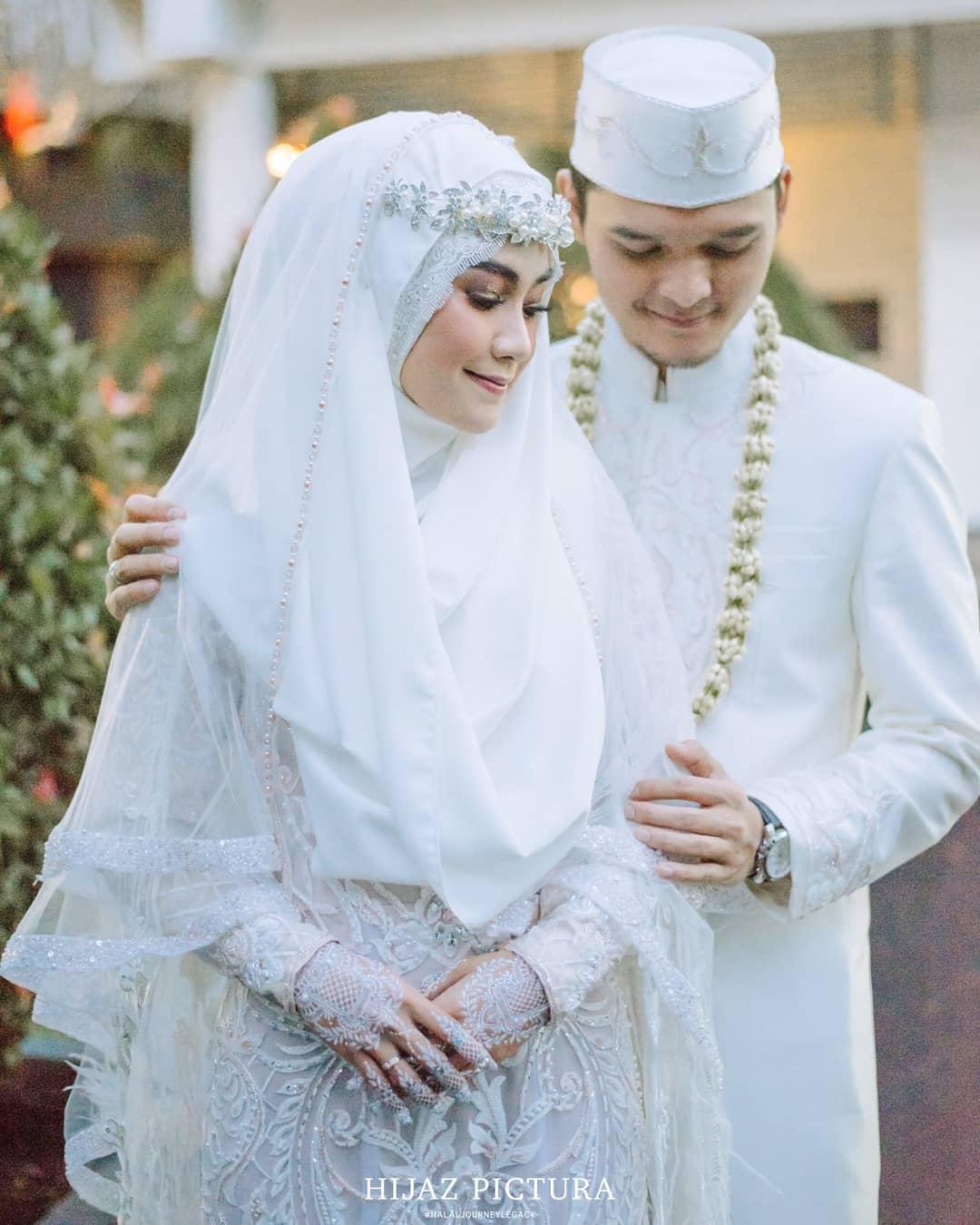 Baju Pengantin Muslimah Sederhana