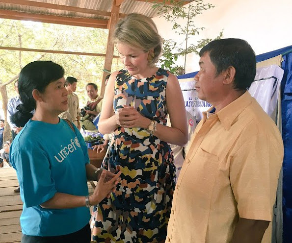 Queen Mathilde visited the Vat Phou temple south of Pakse. Queen Mathilde in a new colourfur print dress on the final day in Laos
