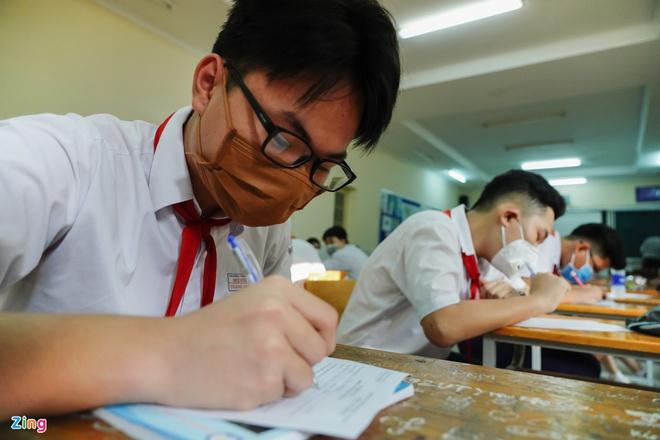 Dịch Covid-19 bùng phát, 10 địa phương cho học sinh nghỉ