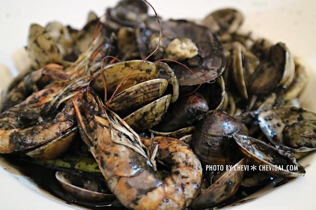IMG 1430 - 台中西屯│懷特.朵兒義式料理*蒜香口味唇齒留香。蛤蠣都要快滿出盤子啦