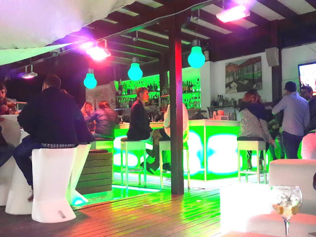 oasis-lounge-rooftop-bar-malagatrips