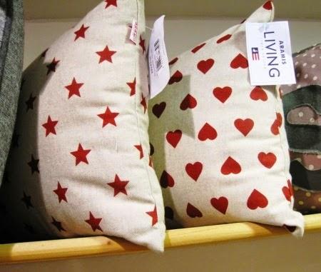 cojin-corazon-estrellas
