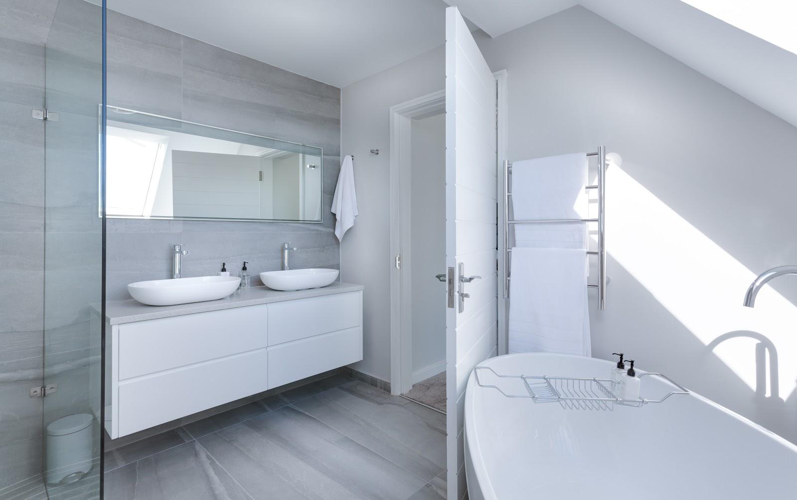 Dom moich marzeń- panele szklane do łazienki.