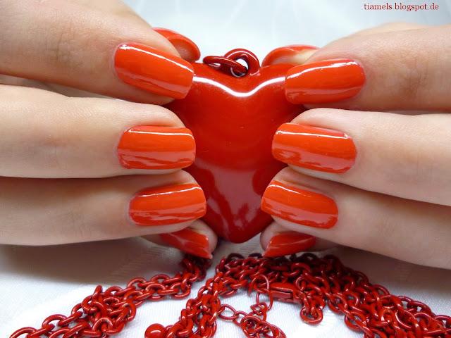 http://tiamels.blogspot.de/2013/07/nails-lacke-in-farbe-und-bunt-aroma.html