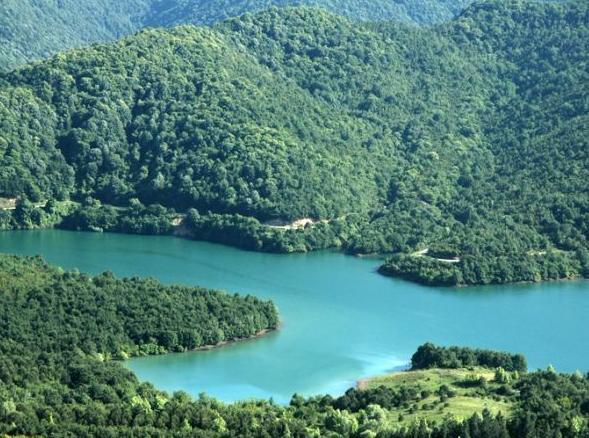 صور جولة مدينة يلوا, بحيرة السد Gökçe barajı,
