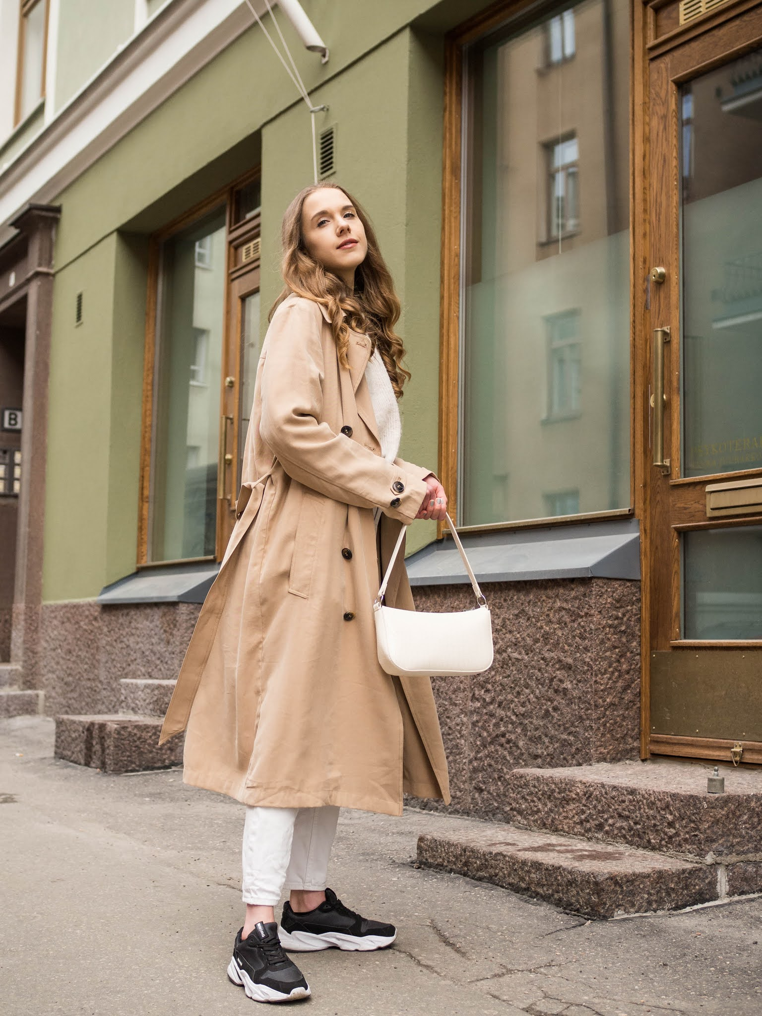 Kuinka stailata trenssi // How to style a trench coat