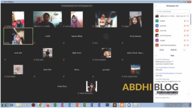 Penggunaan Zoom Untuk Pendampingan Praktek dan Live Coding