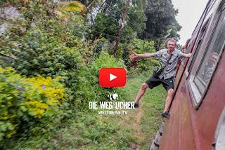 Krasse Zugfahrten in Sri Lanka mit offenen Türen, überfüllte kaputte Züge, Weltreise