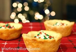 http://www.krisztinawilliams.com/2013/12/christmas-cookies-last-minute-sugar.html