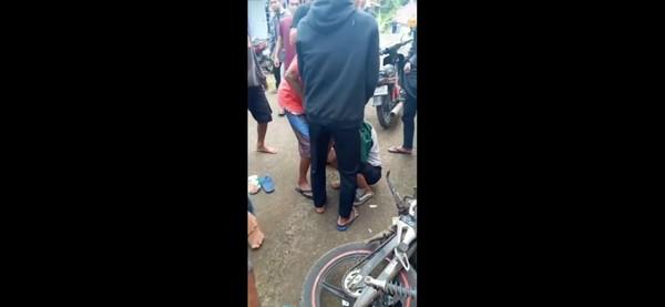 Pemuda Tasikmalaya Dihajar Warga Gegara Ketahuan Membawa Kabur Gadis