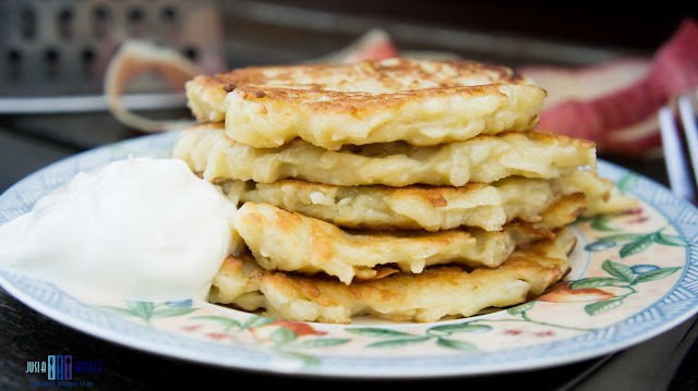 Placki z jablkami. Apple pancakes