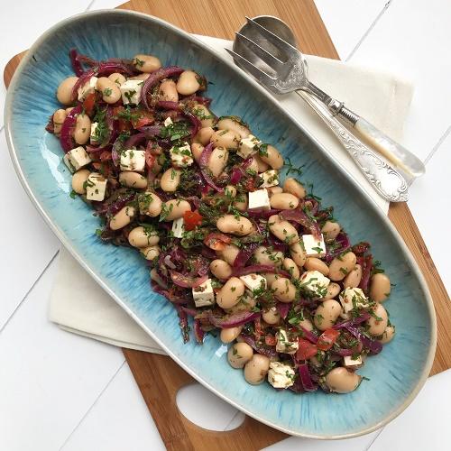 Riesenbohnen-Schmorzwiebel-Salat