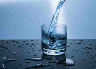 10 Benefits of drinking water in hindi-पानी पीने के फायदे।