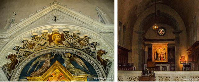 Detalhe de um afresco e o altar da Igreja de São Francisco de Fiésole