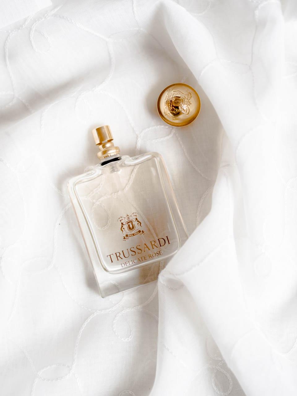 trussardi-delicate-rose-perfume