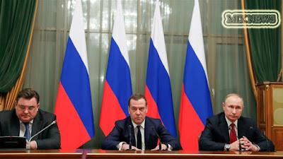Russian,government,resigns,Putin,power shakeup