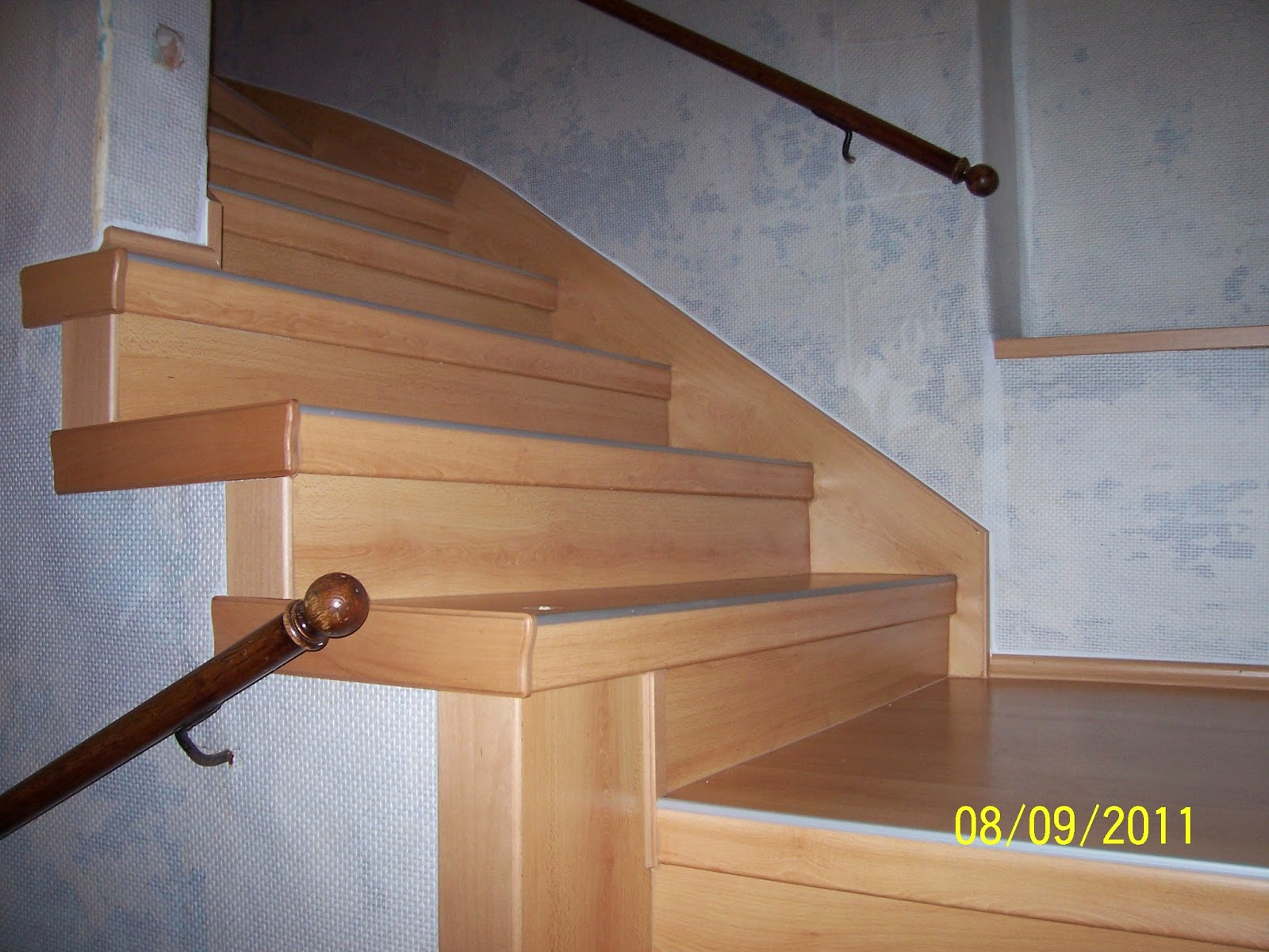 Treppenrenovierung - Wangenverkleidung innenseitig/wandseitig