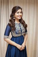 Rashi Khanna Latest Glam Photos Images TollywoodBlog