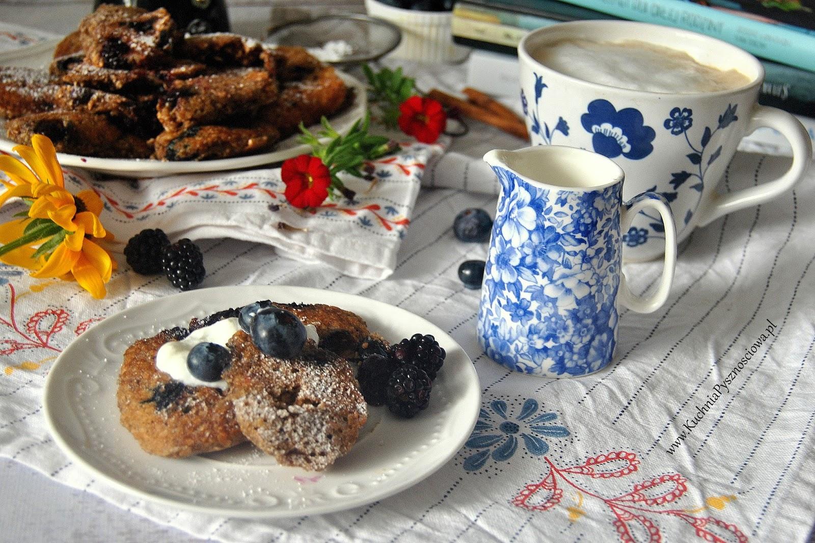 535. Placuszki orkiszowe z borówkami na śniadanie